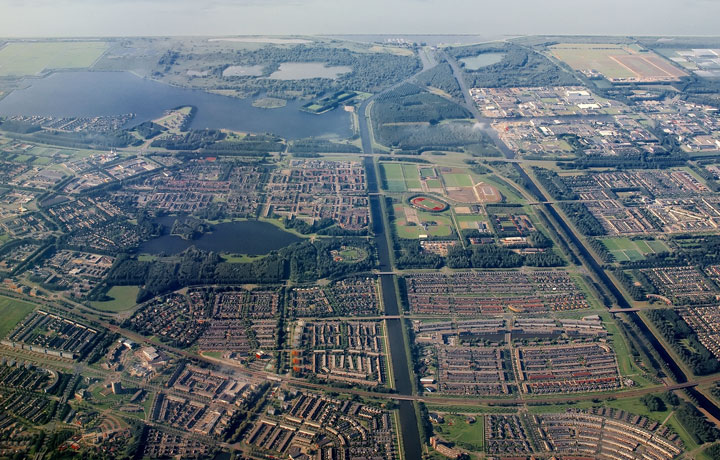 Thermaflex district heating network for Almere city in The Netherlands